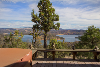 Prineville Reservoir property with views