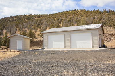 home and shop with Prineville Reservoir views
