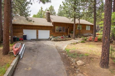 westside Bend home with RV parking